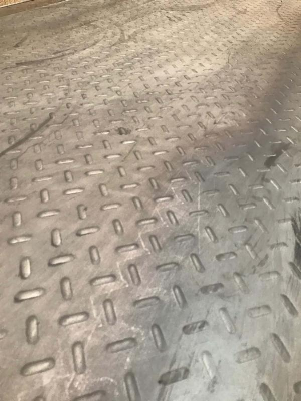 Chapa antiderrapante aço
