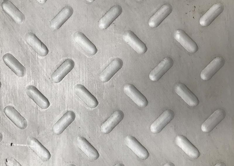 Chapa antiderrapante inox