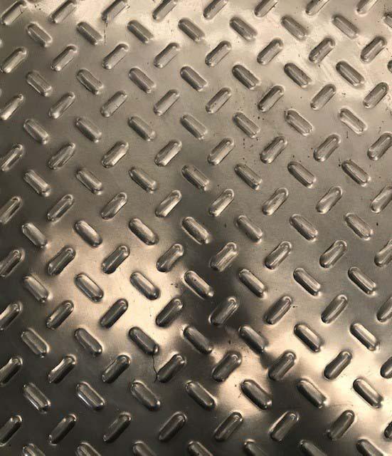 Chapa recalcada alumínio